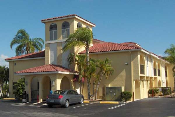 Favorithotell Fort Myers. Casa Loma Motel Waterfront