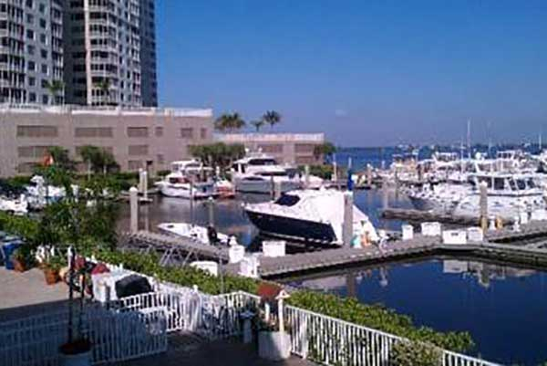 Favorithotell Fort Myers. Legacy Harbour Hotel & Suites